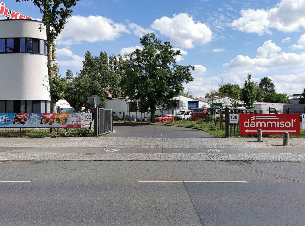Eingang Holzhauser Str. 182